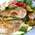 filetes-de-pollo-con-verduras-salteadas