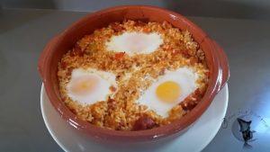 Arroz con huevos al horno