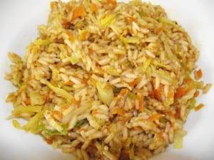 receta de arroz con verduras y salsa de soja, rico contraste de sabores
