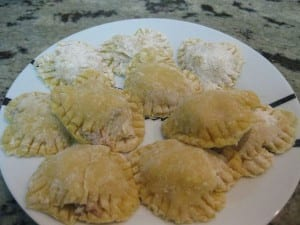 Ravioles caseros de pasta fresca rellenos de carne