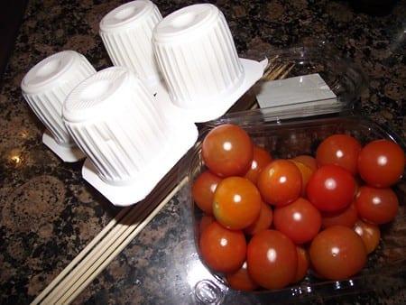 ingredientes para el pincho de tomate con queso fresco