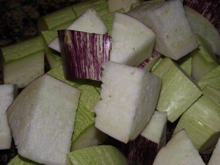 tacos irregulares de verduras para las brochetas
