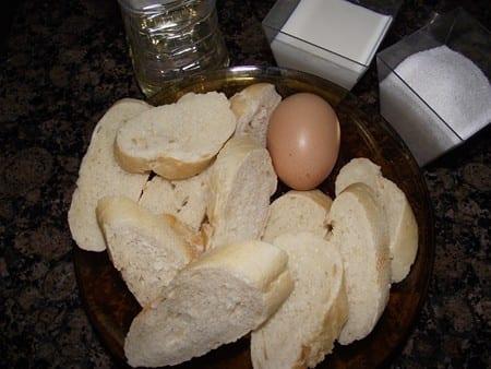ingredientes básicos para hacer torrijas,huevo,pan y leche