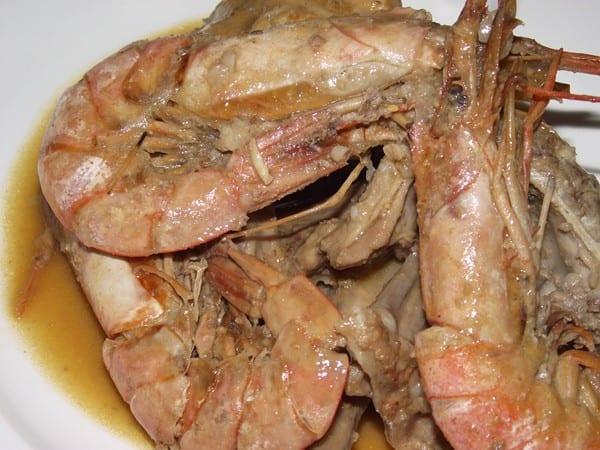 receta de conejo con gambas finalizada