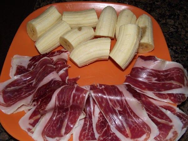 ingredientes para el pincho, plátano y jamón ibérico