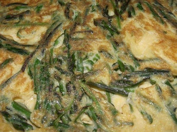 receta finalizada de tortilla de espárragos de margen