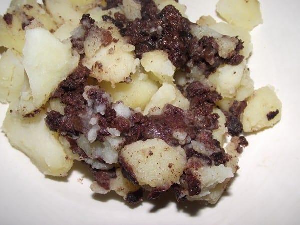receta finalizada de patatas salteadas con morcilla