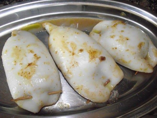 tubos precocidos listos para ponerlos en salsa