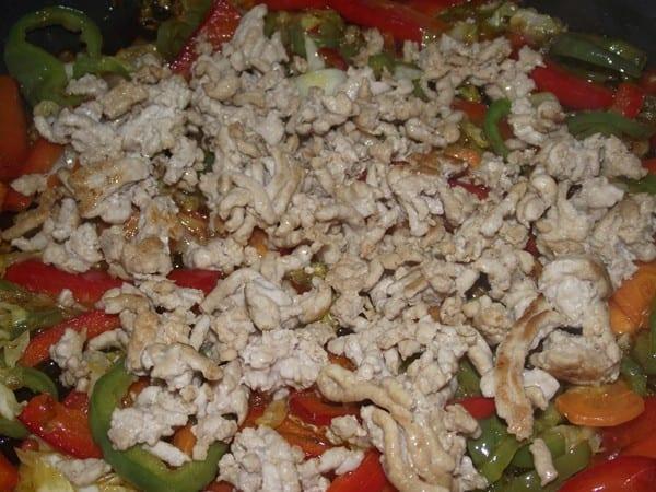 carne picada y verduras mezcladas