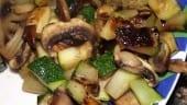 receta finalizada de salteado de calabacin con setas