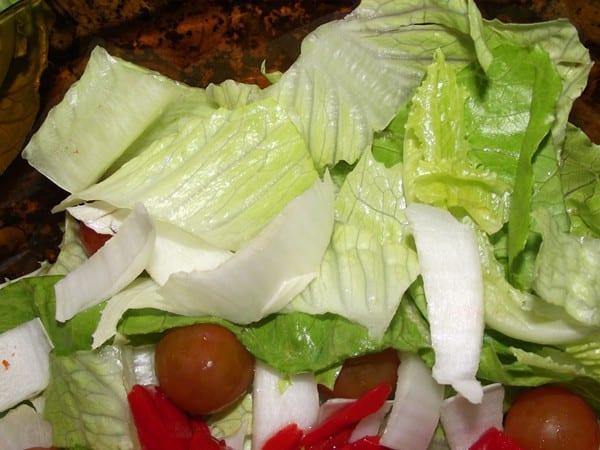 lechuga y tomate para la ensalada