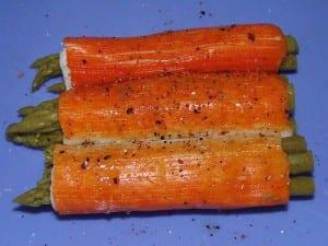 receta finalizada de rollitos de surimi con espárragos trigueros