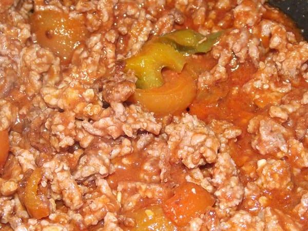 carne picada con pimientos y tomate