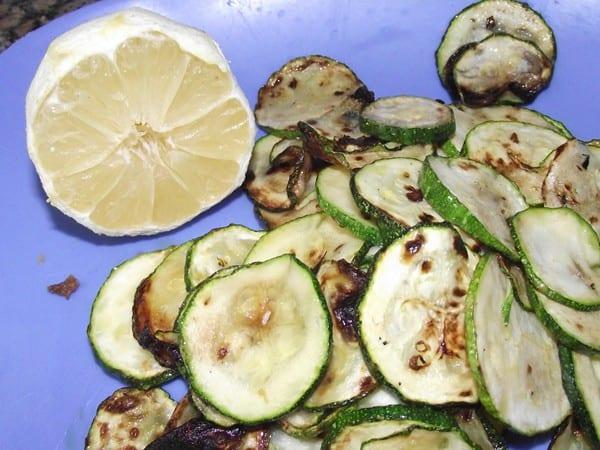 receta finalizada de calabacin a la plancha con limon