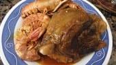 receta fiinalizada de carrillada de cerdo con gambas y cigalas