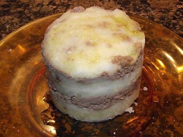 receta finalizada de milhojas de patata con ternera