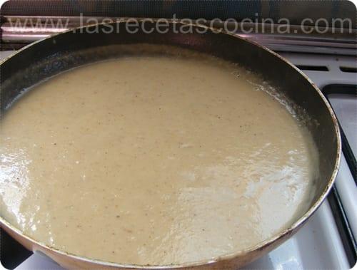 Albóndigas en salsa de cebolla caramelizada y pasas