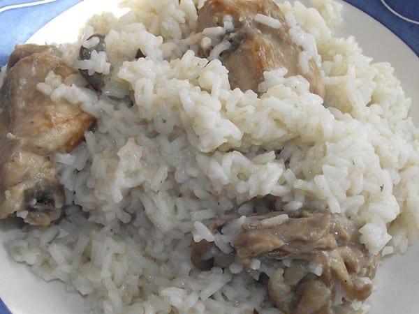 receta finalizada de arroz con conejo