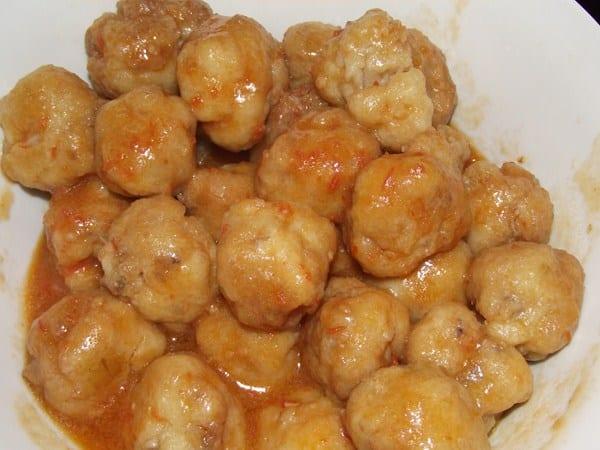 receta finalizada de albondigas de patata y sepia