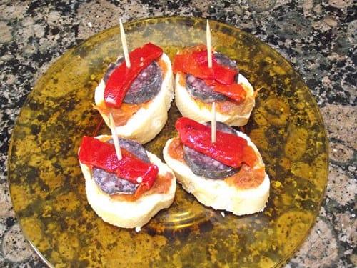 receta finalizada de pincho de sobrasada con pimiento y sobrasada