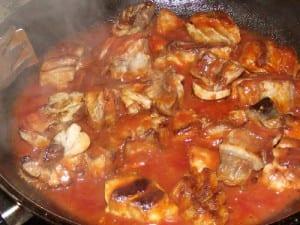 tacos de atún con tomate