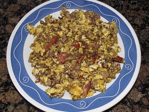 salteado_de_carne_choriz_y_huevo_con_curry