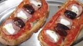 receta_de_torradas_rústicas_de_embutido_de_pavo_queso_y_datiles