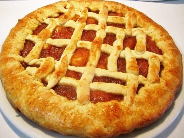 Crostata con mermelada de nísperos