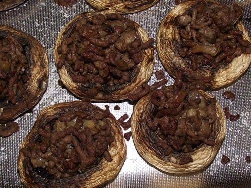 receta-finalizada-de-champiñones-rellenos-de-carne