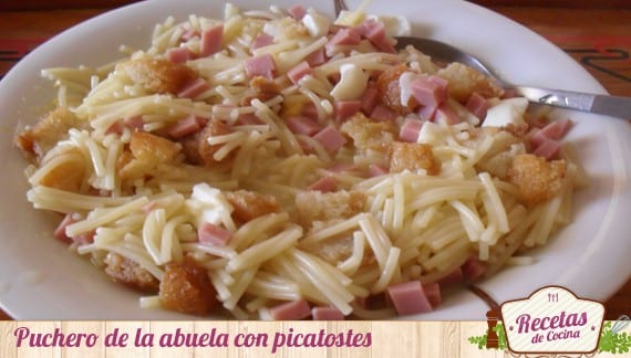 Puchero con picatostes
