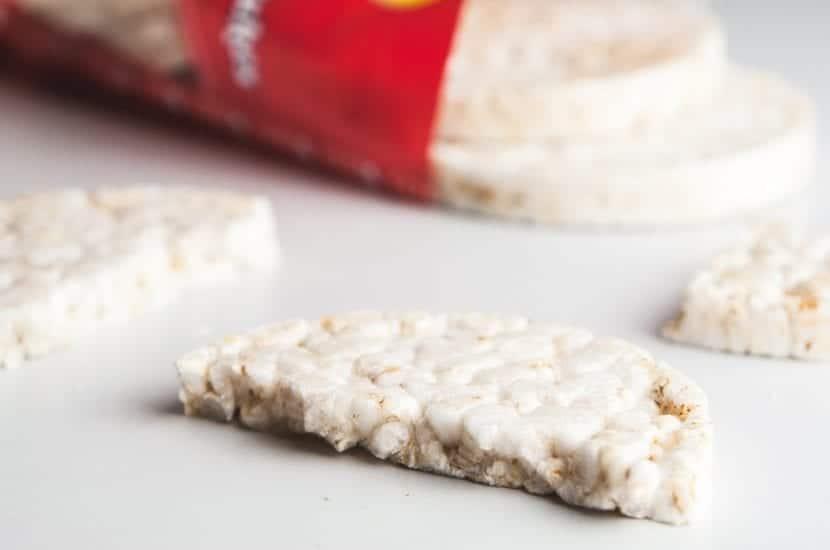 Tortita de arroz partida