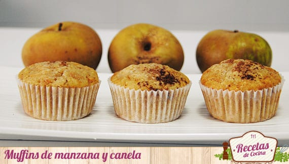 Esponjosos y sabrosos muffins de manzana y canela