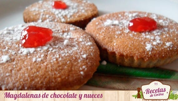 Magdalenas de chocolate y nueces