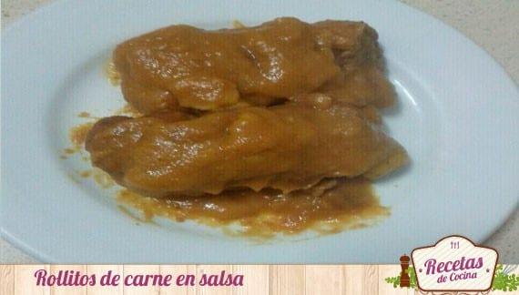Rollitos de carne en salsa de cebolla y zanahorias