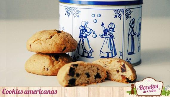 Cookies americanas, galletas fáciles con chips de chocolate