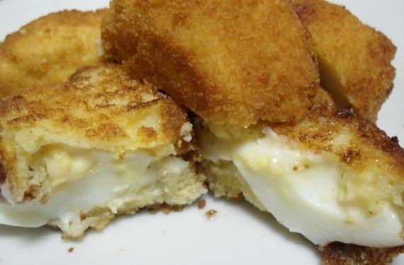 Receta de huevos con bechamel cena genial para los ni os for Cocinar yemas de huevo