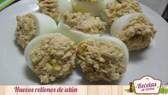 Receta típica de huevos rellenos con atún y mayonesa