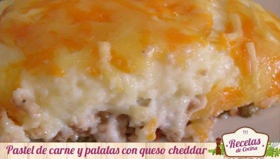 Pastel de carne y puré de patatas con queso cheddar