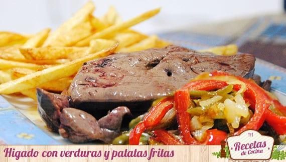 Hígado con verduras y patatas fritas