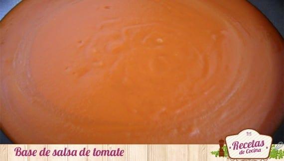 Huevos cuajados con tomate