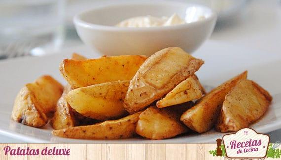 Receta de patatas deluxe con salsa