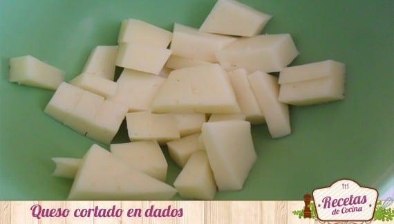 Pintxos de longaniza y queso