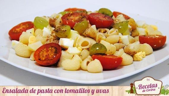 Ensalada de pasta con tomatitos
