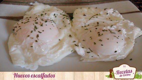 Huevos escalfados