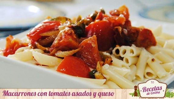 Macarrones con tomates asados y queso