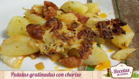 Patatas gratinadas con chorizo