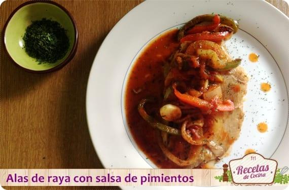 Alas de raya con salsa de pimientos