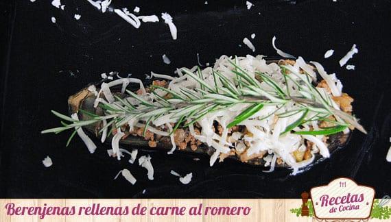 Berenjenas rellenas de carne al romero