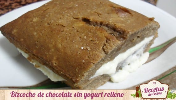 Bizcocho sin yogurt de chocolate