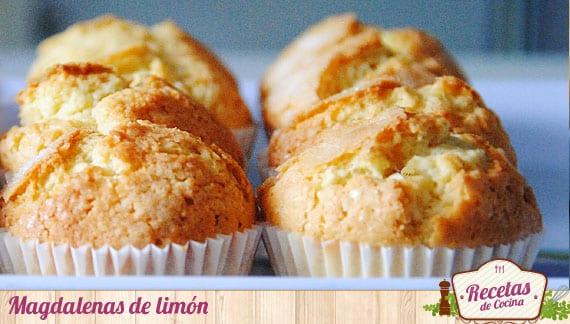 Magdalenas de limón, un desayuno de sabor cítrico